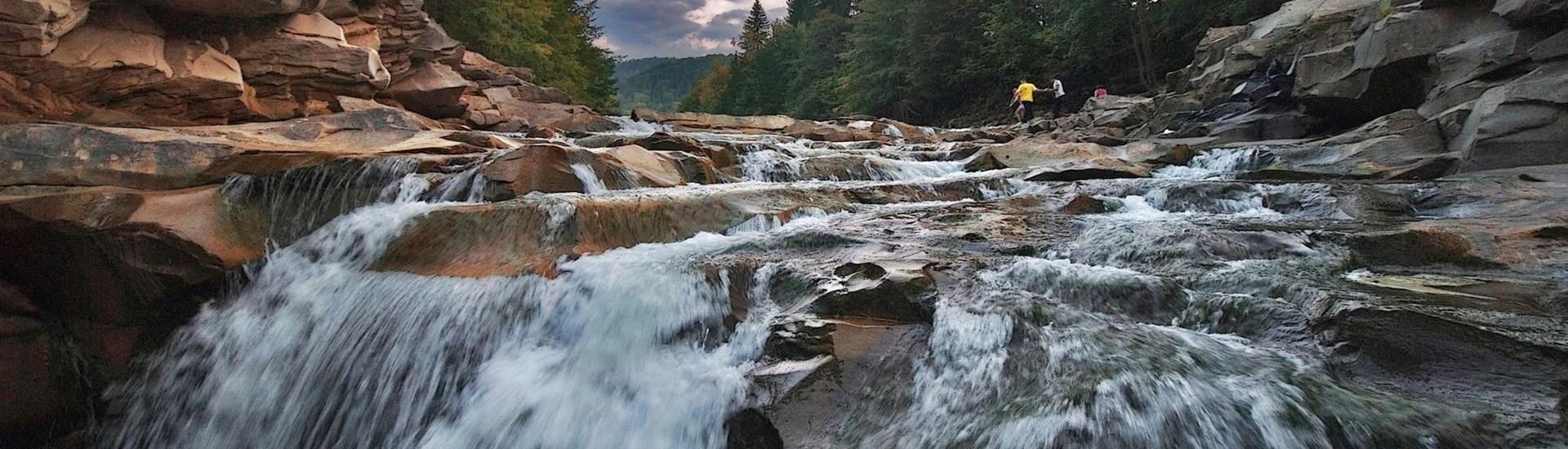 Картинки по запросу яремче водопад зима
